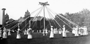 Students holding the Maypole Ribbons, 1911